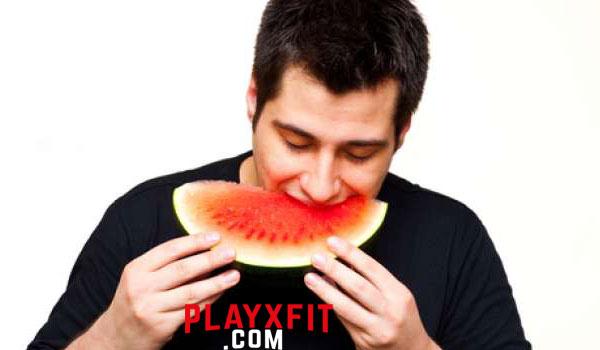 Manis dan Menyegarkan, Ini 8 Manfaat Kesehatan Rutin Makan Semangka
